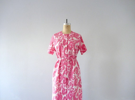 Pink paisley dress . 50s 60s shift dress . vintage day dress