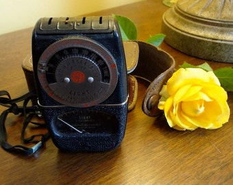 Vintage General Electric Exposure Meter Type DW-68 with Leather Case - REDUCED