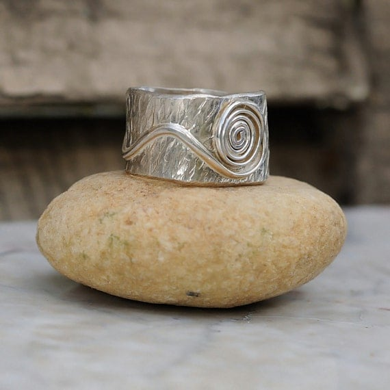Sterling Silver Boho Ring – Hammered Bohemian Wide Band for Men or Women