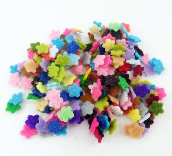 Felt flowers. size 7mm. 100 pieces. Die Cut Shapes, Applique, Confetti, Party Supply, DIY Wedding