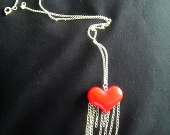 Red heart chain fringe silver necklace