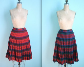 vintage reversible Pendleton Turnabout red tartan plaid wool skirt // 26 inch waist / size xsmall / small