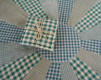 Table Topper Dresden Plate - Green Homespun Fabric with Beverage Coaster Set, Table Topper, Table Centerpiece, Green Coasters
