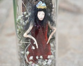 Fairy Resting in enchanted bottle - Woodland Spirit - Nigrica Miniatures sculpt hand made by Johana Molina