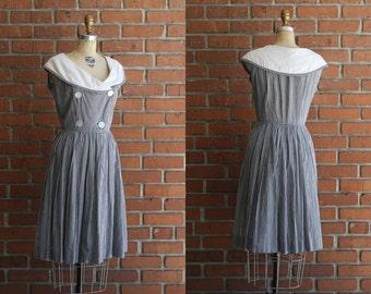 1950s vintage dark navy white plaid sailor picnic dress / size Medium M