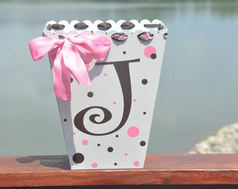 Girl's Room Decor/ Personalized Trash Can/ Girl Gift/ Bathroom