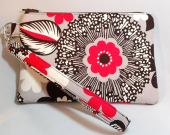 Black and White Floral Small Wristlet