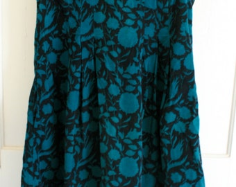 1980's Vintage Laura Ashley jumper dress . great for maternity . forest green & black