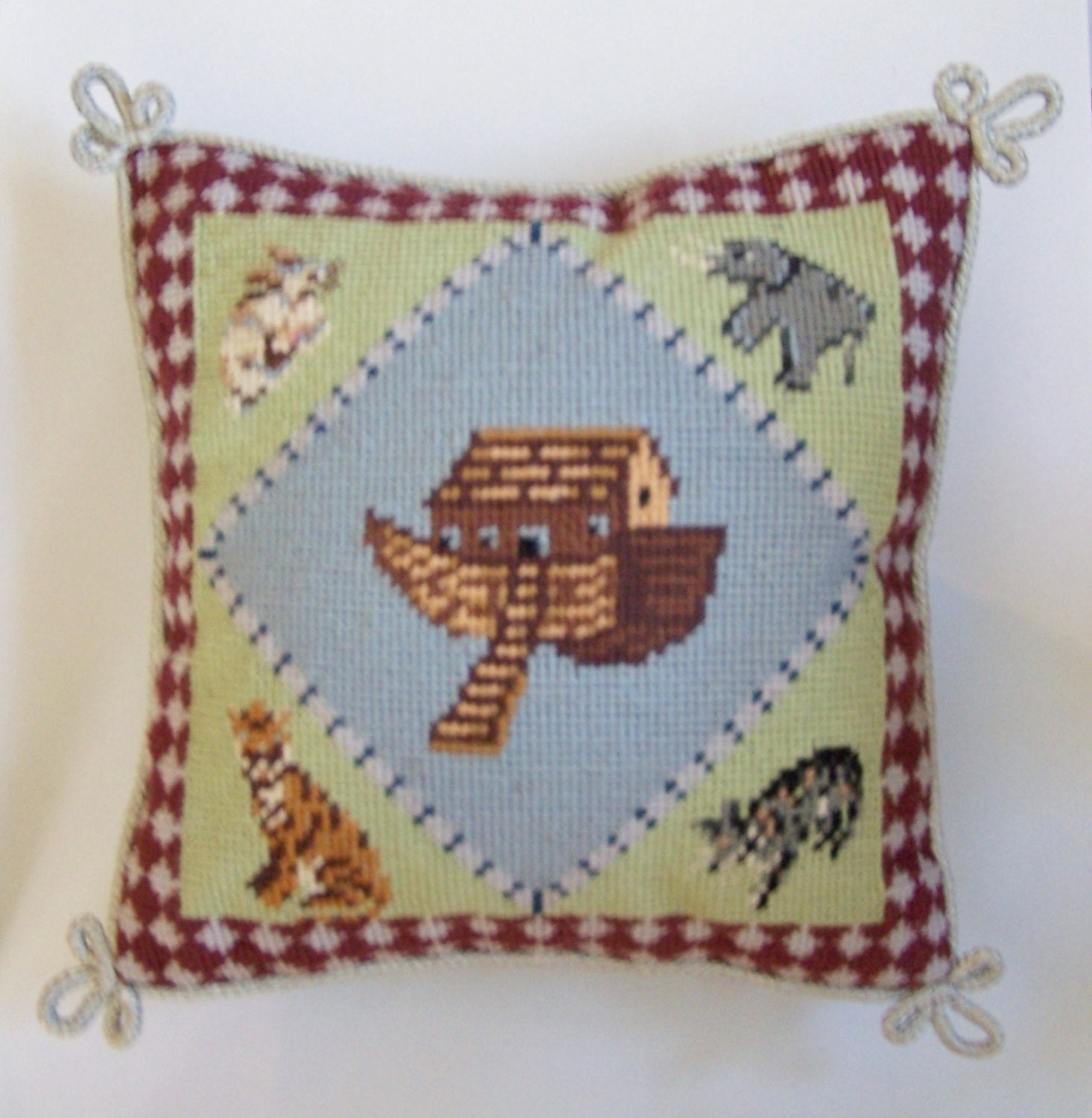 SMALL NEEDLEPOINT PILLOW Noah s Ark & Four Animals