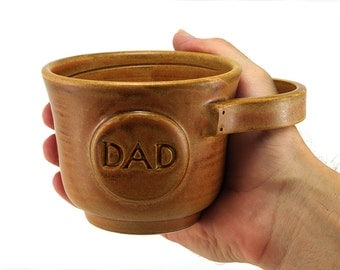 Gift for Dads: Brown Shave Mug with DAD Plaque - Wet Shaving Gift for Husband or Father, Ready to Ship - Brush not included
