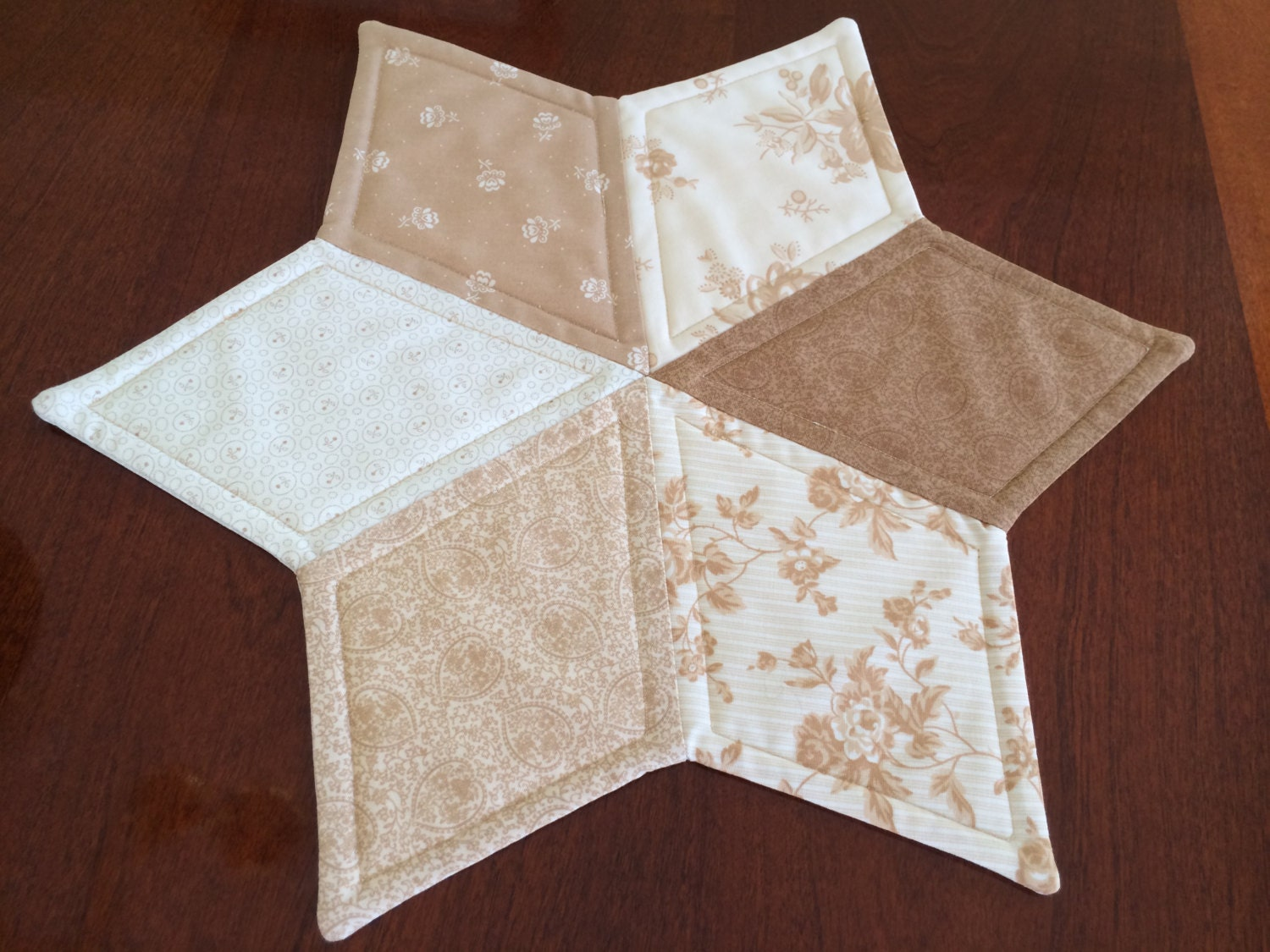 Free Patterns For Quilted Candle Mats : Beige & Gold Moda Quilted Star Candle Mat Christmas or by seaquilt