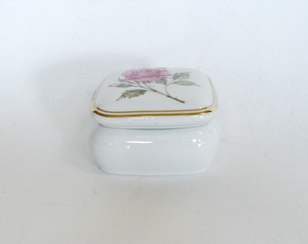 Avon Trinket Music Box, Happy Holidays Avon 1987 Porcelain Musical Trinket Jewelry Box, Avon Collectibles