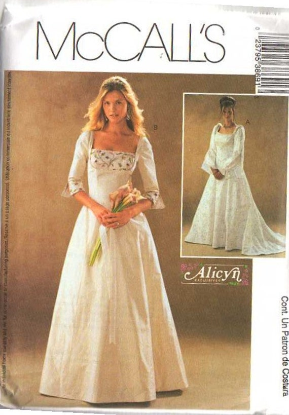 Mccall 39 s sewing pattern wedding dress renaissance faire for Wedding dress patterns mccalls