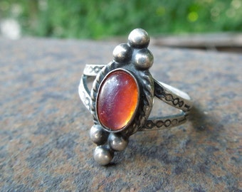 Sterling Silver Ring Fancy with Orange Jelly Center Stone Arrows Size 7