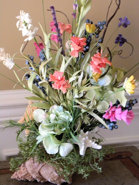 Beach cottage conch shell flower arrangement home floral decor for Beach house designs florist