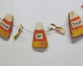 PRIMITIVE HALLOWEEN Candy Corn Garland Reclaimed Wood: Trick or Treat