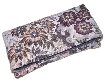 37- green and grey clutch, floral