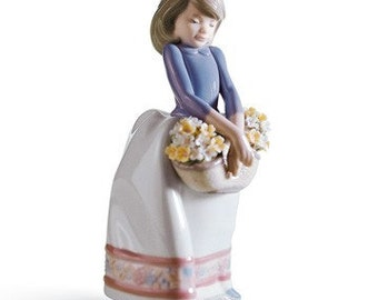May Flowers Lladro Retired Collectible Porcelain Figurine