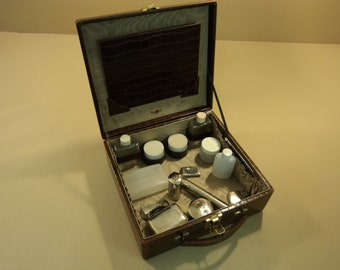 Robex LR Vanity Makeup Case Brown Faux Crocodile Toiletries Vintage Calf Leather