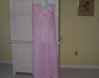 Vintage Eve Stillman  New York precious pink long  night gown , Neiman-Marcus, Med.