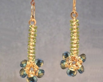Hammered flower earrings with peridot and blue topaz Luxe Bijoux 223