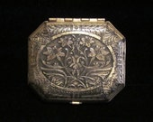 1920s Karess Woodworth Compact Double Compact Powder Rouge and Mirror Compact Silver Plate Art Nouveau Excellent to Near Mint Condition