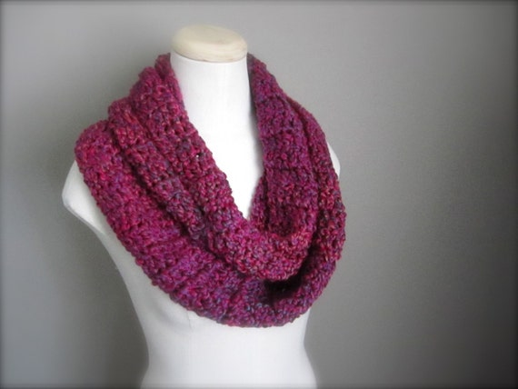 Crochet Hot Pink, Raspberry Pink, Fuchsia, Magenta Infinity Scarf, Men's Scarf, Women's Scarf, Unisex Scarf