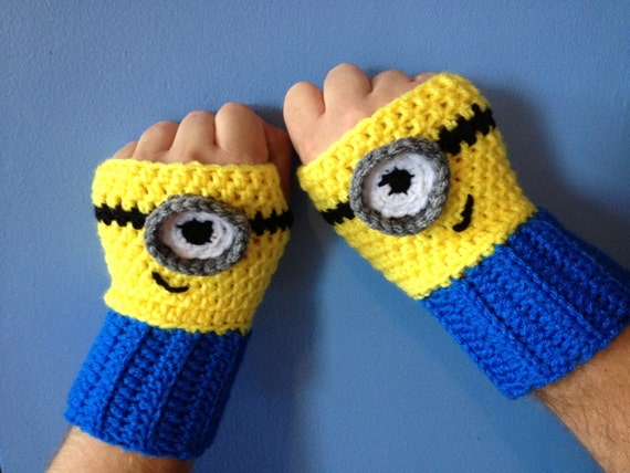 Crochet Me : Despicable Me Minion Fingerless Gloves Crochet by MonAmiCreationz
