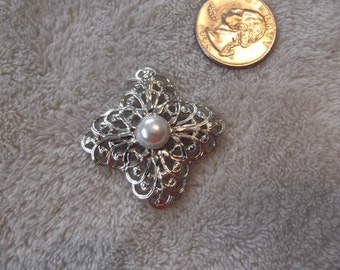 Vintage Pin- Silvertoned Victorian Filigee-P2391