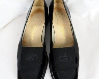 80s Ferragamo women's tuxedo shoe crepe soled black patent leather / loafer: size 38/ 7.5B