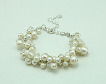 wedding bracelet crystal and white freshwater pearl.