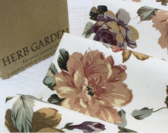 """Oxford Cotton Mono Time Roses - By the Yard (44 x 36"""") 44166"""