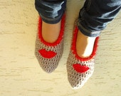 Crochet womens slippers, with red lips, home shoes for ladies, mary jane slippers, gift for her, Valentines gift ideas