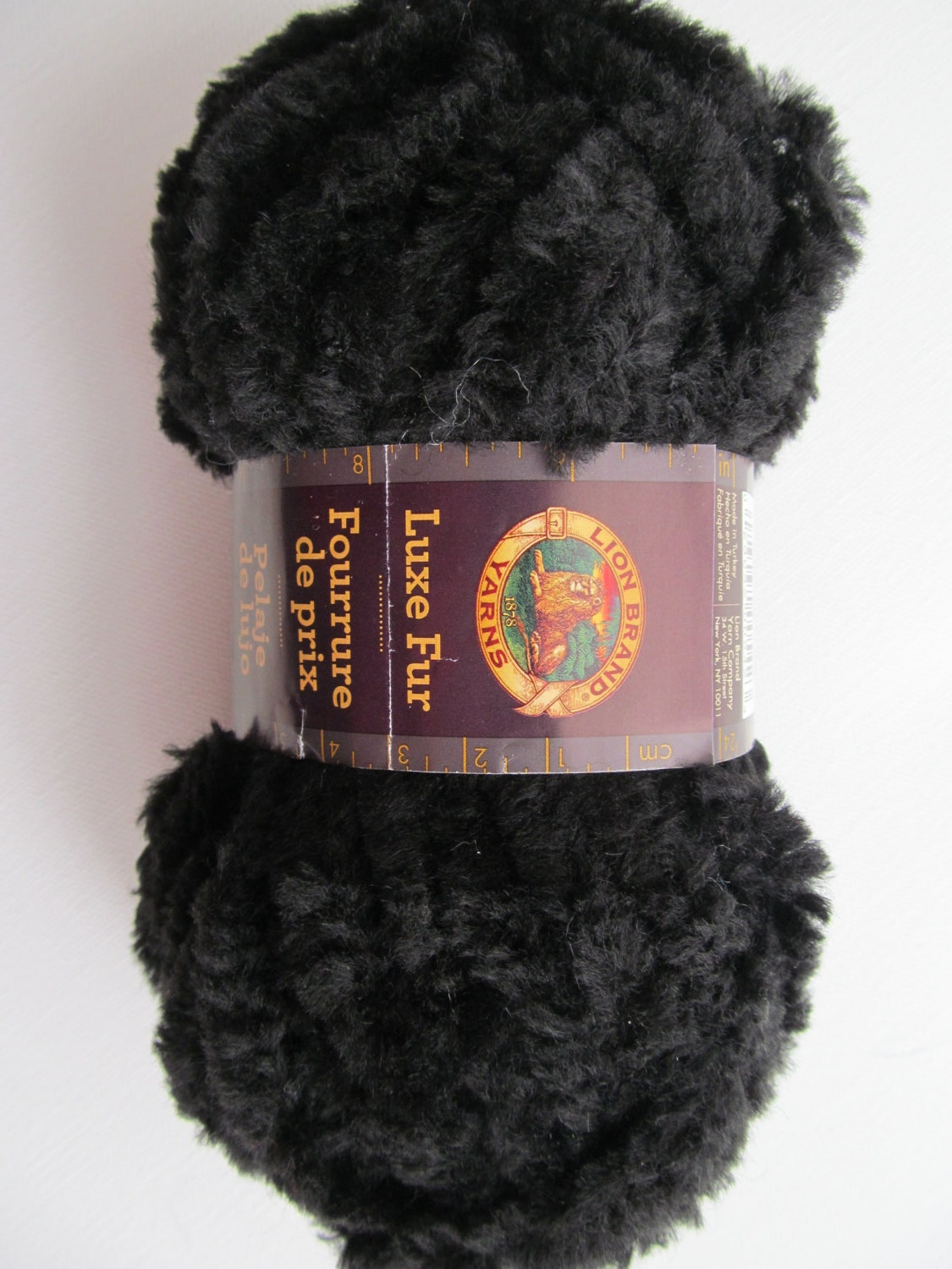 Lion Brand Luxe Fur Bulky Knitting Yarn Wool Yarn Onyx by Lacywork
