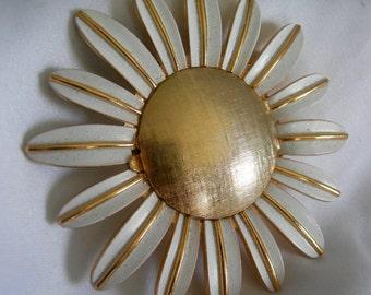Large Gold Tone and White Enamel Daisy Perfume Locket Brooch Pin - AVON - Vintage 1968-1970