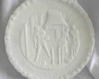 White Satin Milk Glass Bicentennial Plate 4 of 4 - Signed FENTON - Vintage Issued January 1, 1976