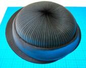 Vintage 1940/1950s sunburst design hat