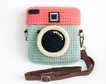 Crochet Lomo Camera Purse/ Pastel Mint-Chocky Pink Color