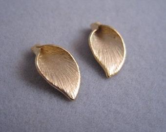 Calla beads, matte gold plated beads, Gold calla bead, C-021