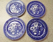 4 Blue Willow Buffalo Pottery/Buffalo China Plates - Backstamp dated 1925