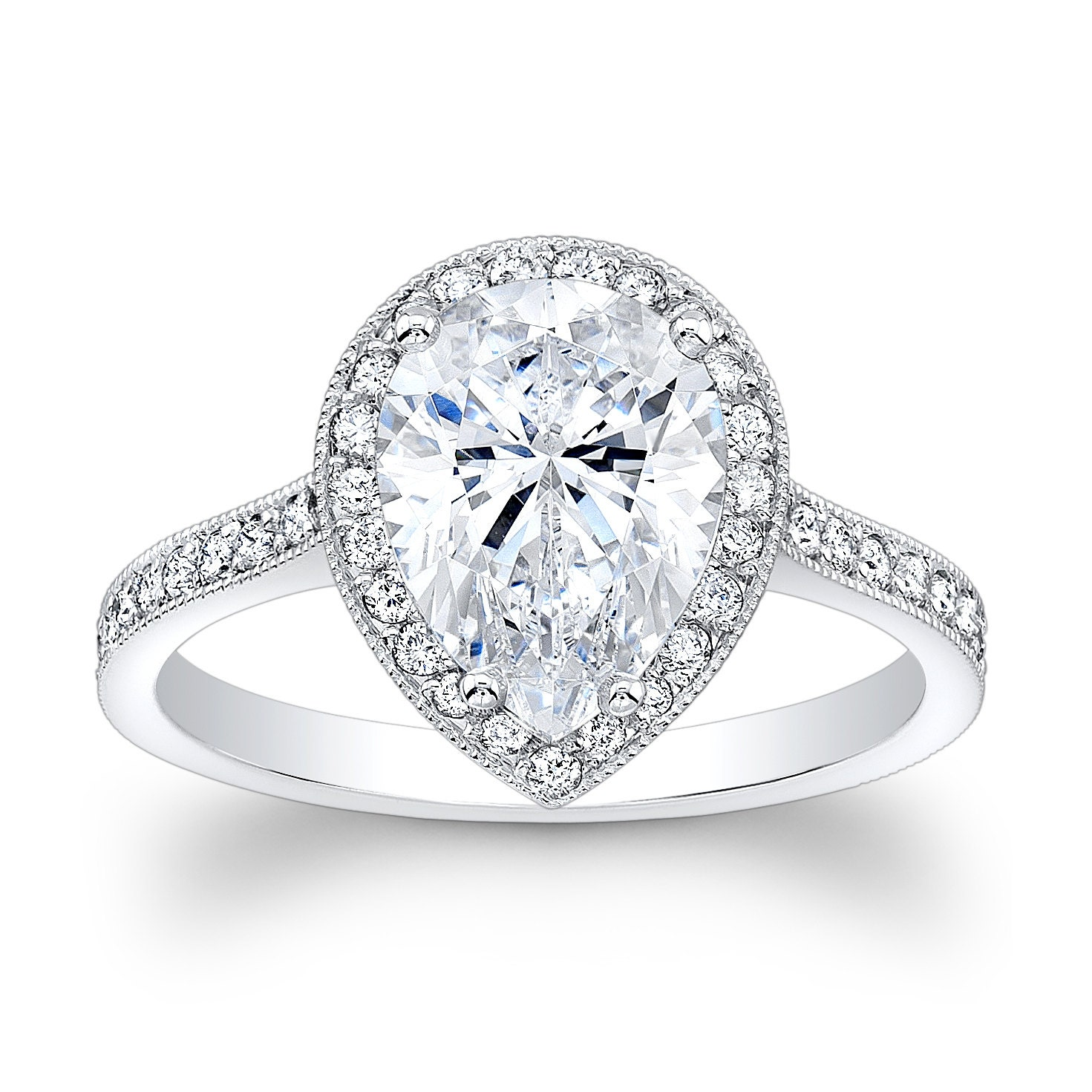 Women's 14kt white gold vintage engagement ring with 2ct