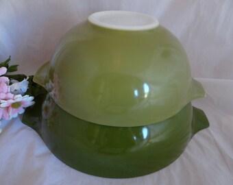 Vintage Pyrex Avocado Cinderella Bowls Mixing Serving Bowls 443 and 444 - Retro Cool