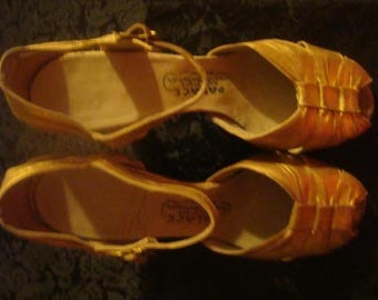 1940-1950 Gold all Leather Ballroom Shoes