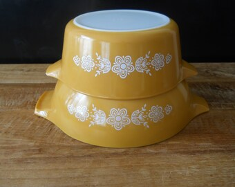 Pyrex Butterfly Gold Cinderella Mixing Bowl and Casserole