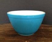Vintage Pyrex Primary Blue Mixing Bowl 1.5 PNT