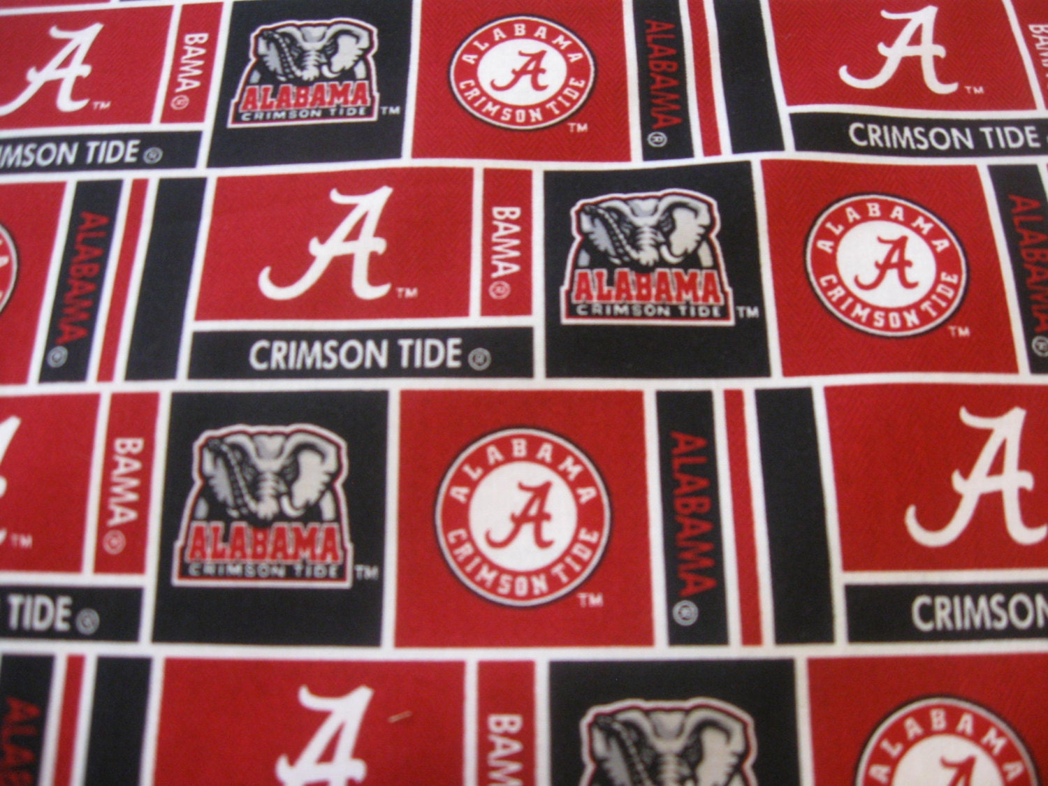 university of alabama cotton patch fabric sold by the yard. Black Bedroom Furniture Sets. Home Design Ideas