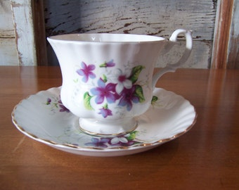 Vintage Royal Albert Teacup and Saucer Set English Bone China Lavender Floral