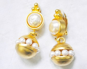 Karl Lagerfeld Earrings, Baroque Pearl Earrings, Haute Couture, Lagerfeld Pearls,  Runway Gold Plated, Clip On 1980s Vintage
