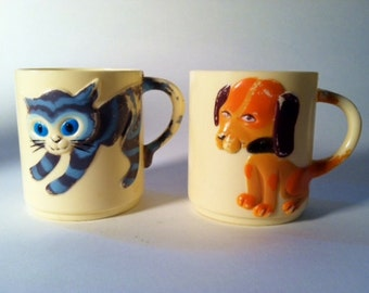 Vintage 1960's Child's Plastic Dog or Cat Mug