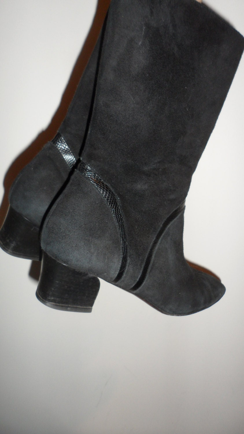 cole haan black suede boots sutle leather detail design